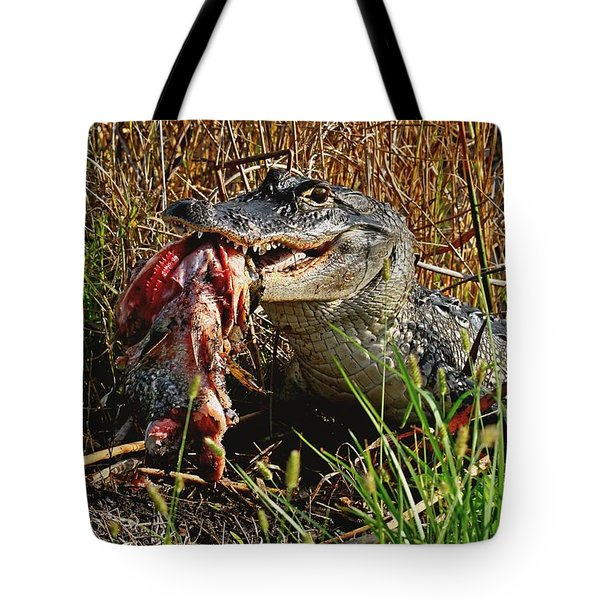 Alligator Eating A Fish Tote Bag
