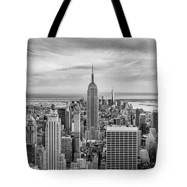 Amazing Manhattan Bw Tote Bag