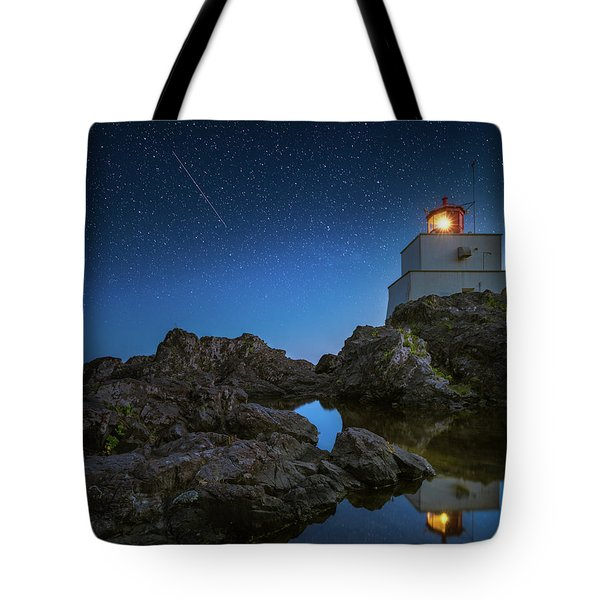 Tote Bag featuring the photograph Amphitrite Point Lighthouse by William Lee