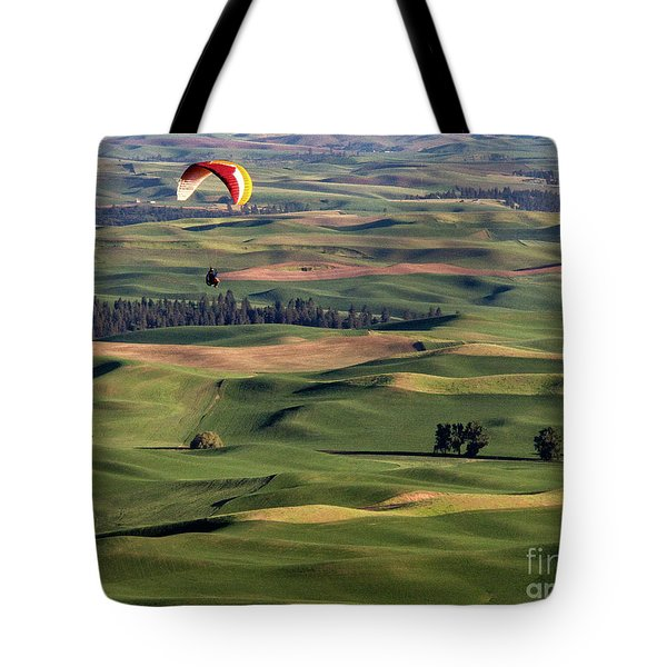 An Evening Flight Agriculture Art By Kaylyn Franks Tote Bag