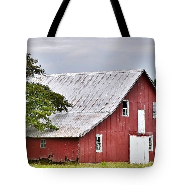 An Old Red Barn Tote Bag