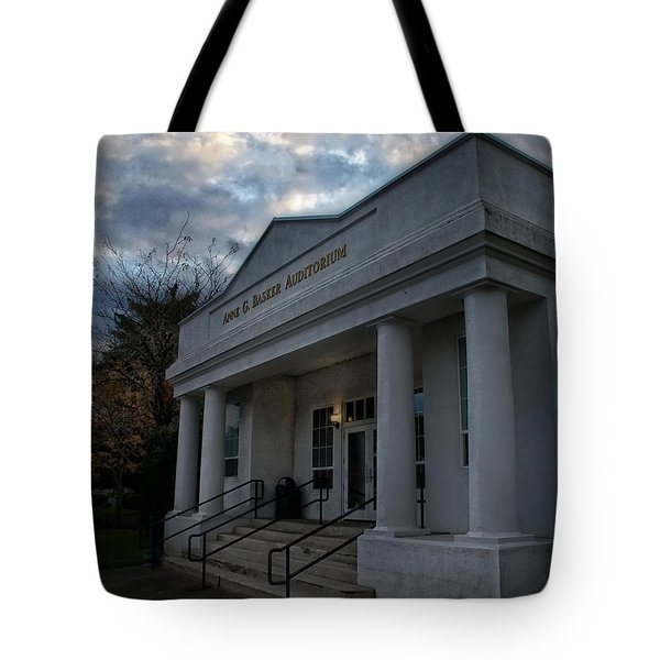 Anne G Basker Auditorium In Grants Pass Tote Bag