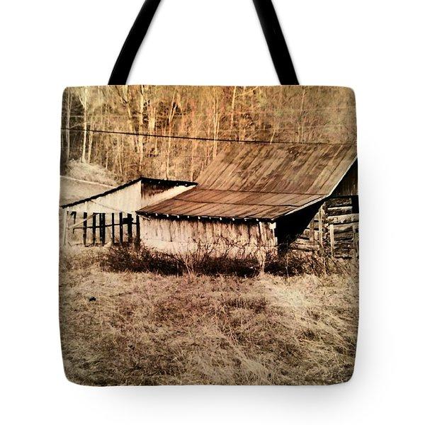 Antique Log Beam Barn Southern Indiana Tote Bag