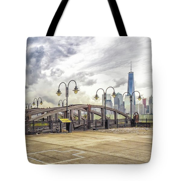 Tote Bag featuring the photograph Arc To Freedom One Tower Image Art by Jo Ann Tomaselli