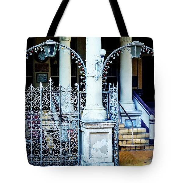 Arched Entrance In Mumbai Tote Bag by Marion McCristall