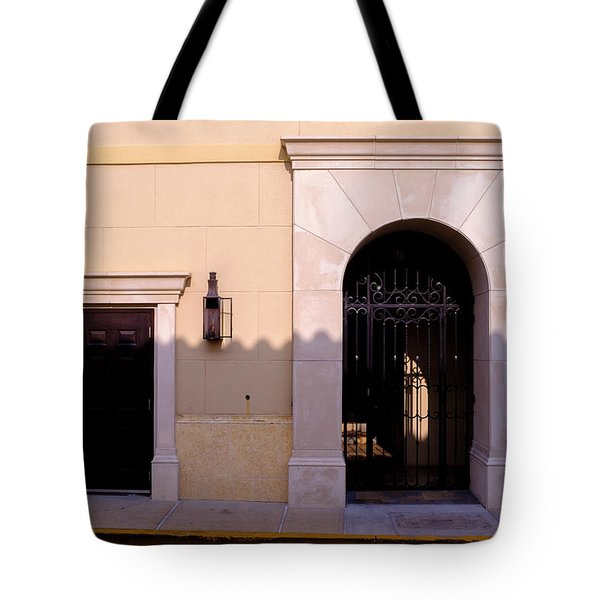 Archway In An Alley In Downtown Winter Park Florida Tote Bag
