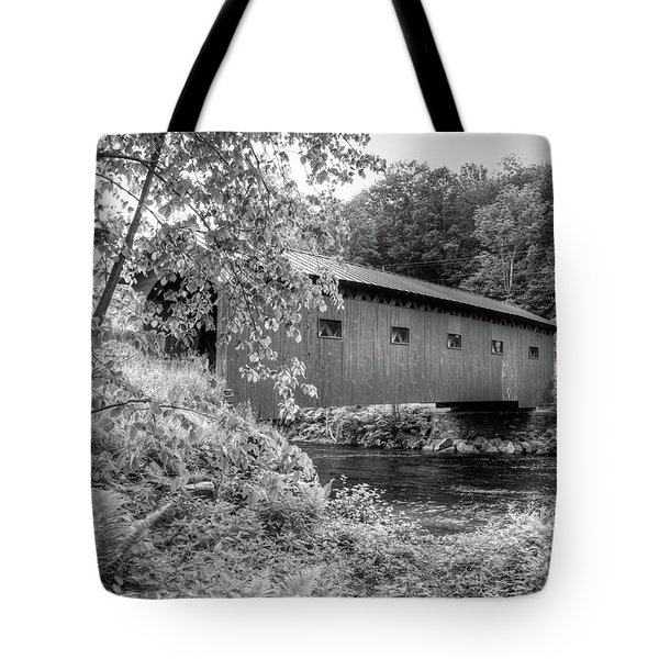 Tote Bag featuring the photograph Arlington Green Covered Bridge by Guy Whiteley