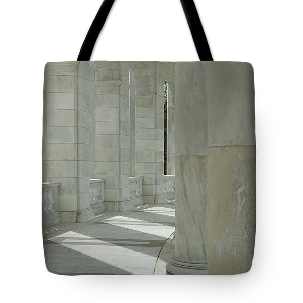 Arlington Memorial Amphitheater Hall Tote Bag
