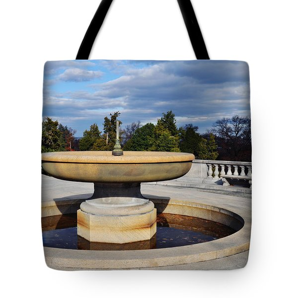 Arlington National Cemetery Memorial Fountain Tote Bag