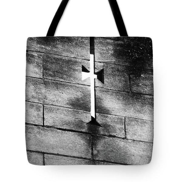 Arrow Slit Tote Bag