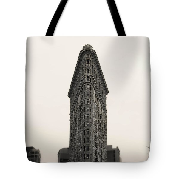Flatiron Building - Nyc Tote Bag