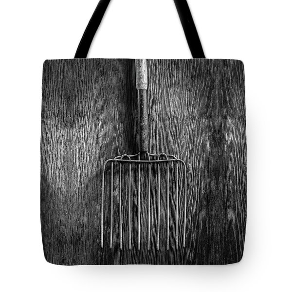 Ensilage Fork Up On Plywood In Bw 66 Tote Bag