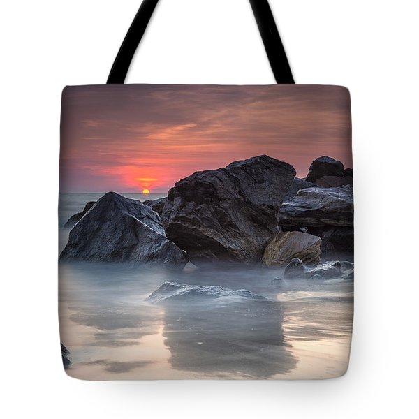 Atardecer En La Playa Tote Bag