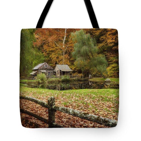 Autumn At Cuttalossa Farm V Tote Bag