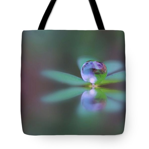 Autumn Clover Droplet Tote Bag