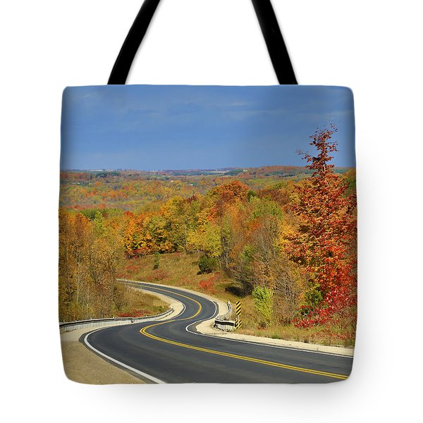 Autumn In The Hockley Valley Tote Bag by Gary Hall