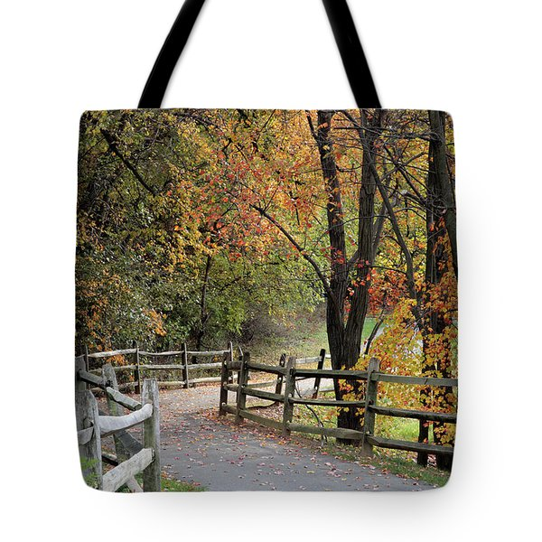 Autumn Path In Park In Maryland Tote Bag