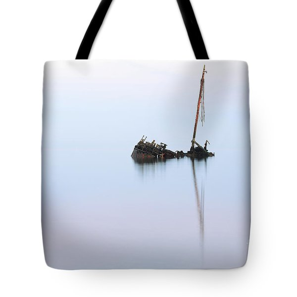 Ayrshire Shipwreck In Sunrise Ref3342 Tote Bag