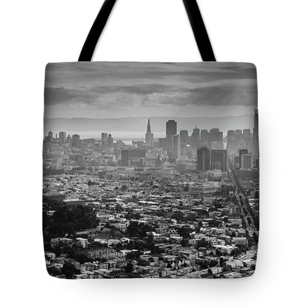 Back And White View Of Downtown San Francisco In A Foggy Day Tote Bag