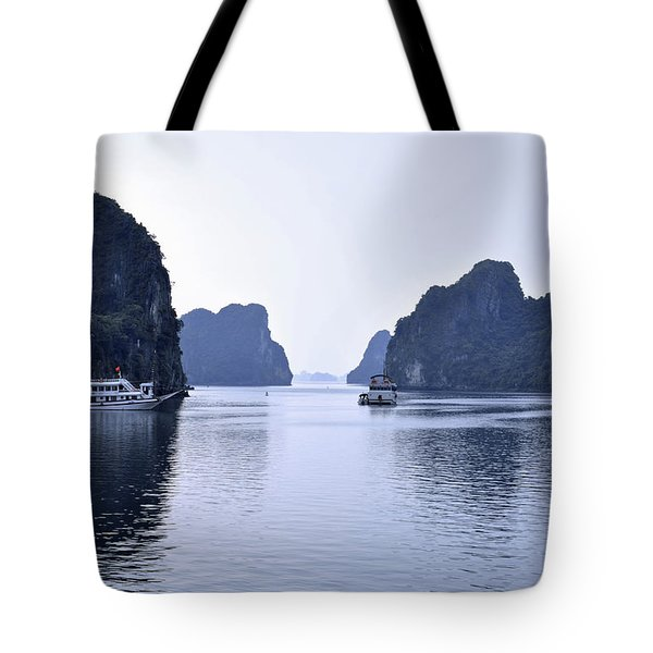 Bai Tu Long, N.vietnam Tote Bag