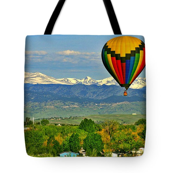 Ballooning Over The Rockies Tote Bag by Scott Mahon