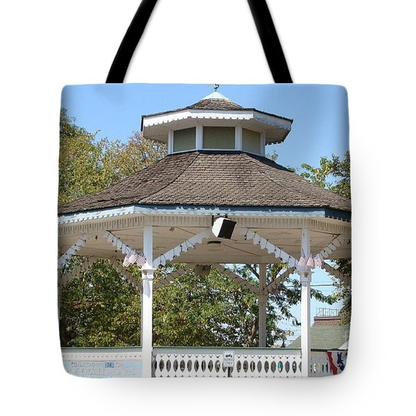 Bandshell In Plymouth, Mass Tote Bag by Rod Jellison