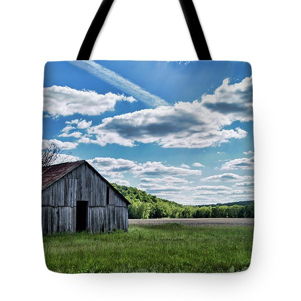 Tote Bag featuring the photograph Barn On Cedar Creek Bottoms by Cricket Hackmann