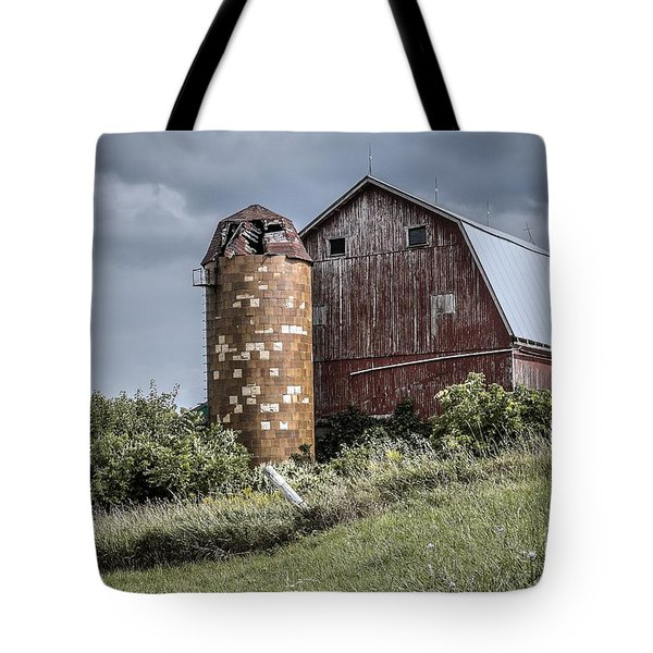 Barn On Hill Tote Bag