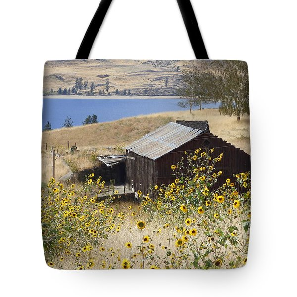Barn With Sunflowers Tote Bag