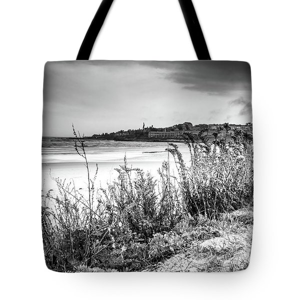Tote Bag featuring the photograph Beach In Ogunquit by Doug Camara