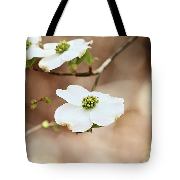 Beautiful White Flowering Dogwood Blossoms Tote Bag
