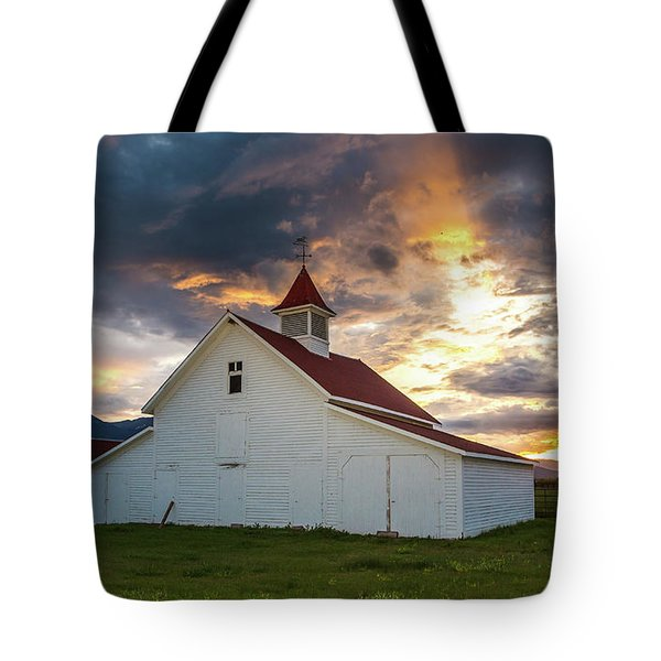 Beckwith Ranch At Sunset With Crepuscular Rays And Virga Tote Bag