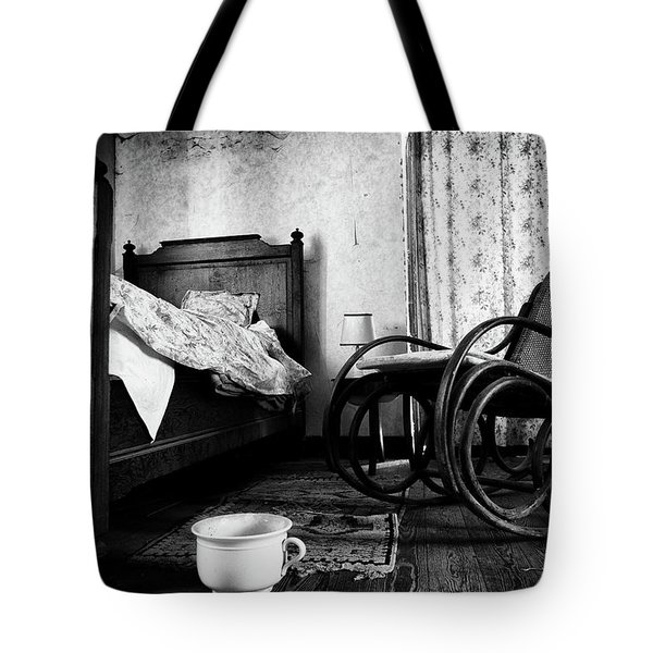 Bed Room Rocking Chair - Abandoned Building Bw Tote Bag