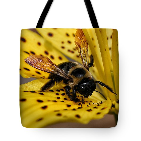 Bee On A Lily Tote Bag