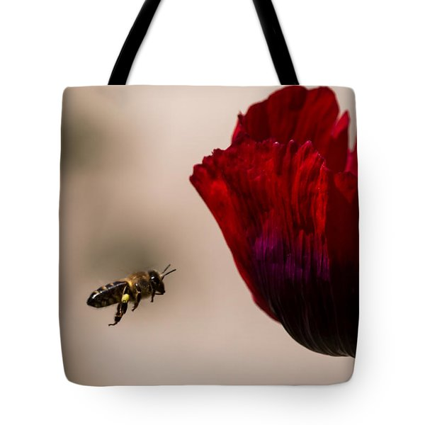 Bee Right Profile Flying To Red Flower Tote Bag