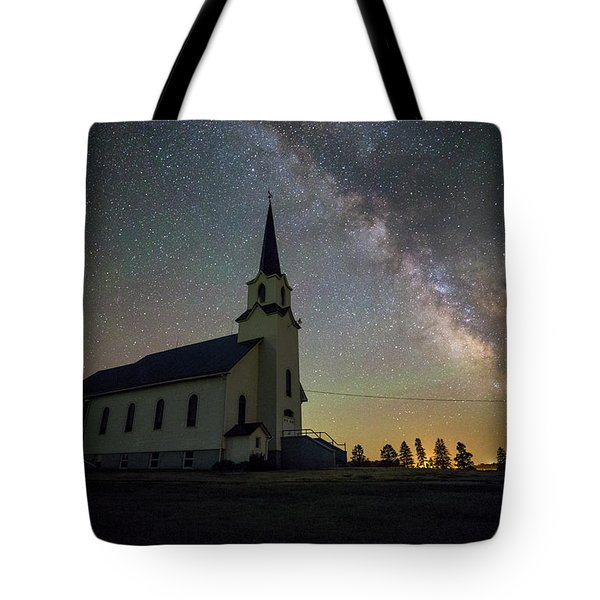 Tote Bag featuring the photograph Belleview by Aaron J Groen
