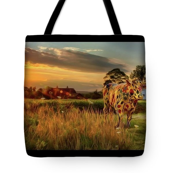Tote Bag featuring the photograph Bessie by Mark Fuller