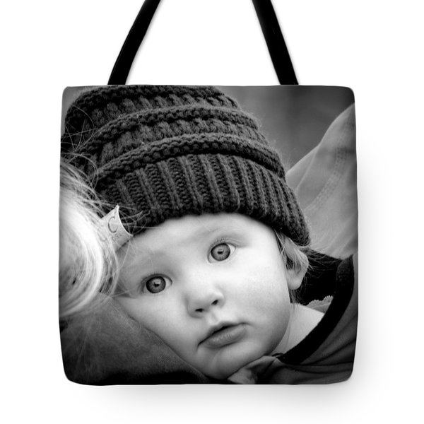 Tote Bag featuring the photograph Best Seat In The House by Barbara Dudley