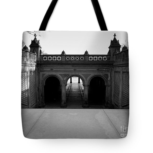 Bethesda Terrace In Central Park - Bw Tote Bag