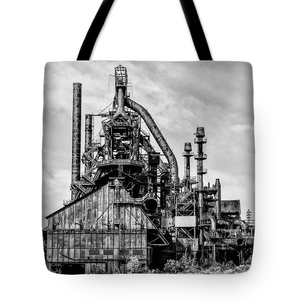 Bethlehem Pa Steel Plant  Side View In Black And White Tote Bag by Bill Cannon