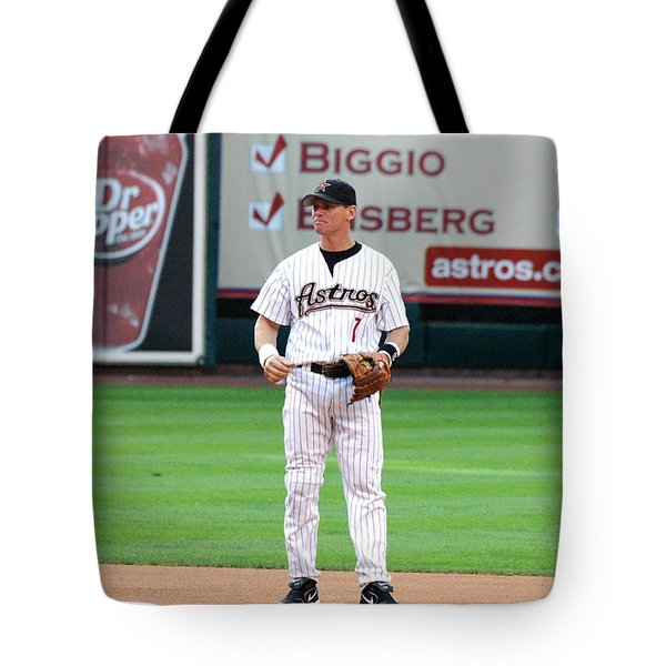 Tote Bag featuring the photograph Biggio On Base by Teresa Blanton