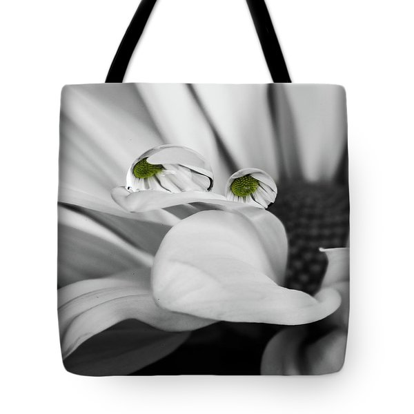 Black And White Daisy Water Tote Bag