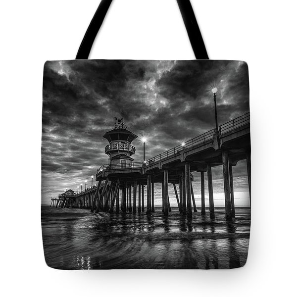 Black And White Huntington Beach Pier Tote Bag