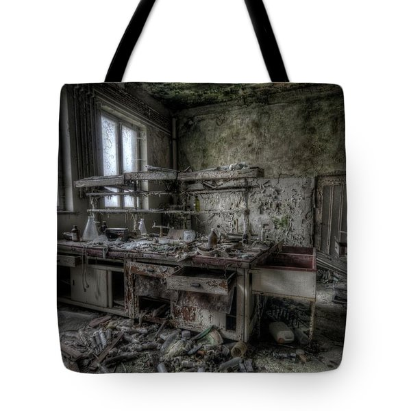 Black Lab Tote Bag by Nathan Wright