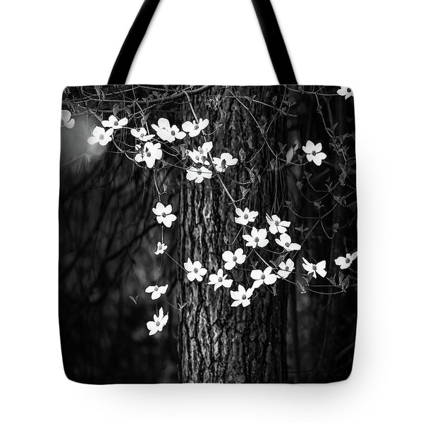 Blooming Dogwoods In Yosemite Black And White Tote Bag
