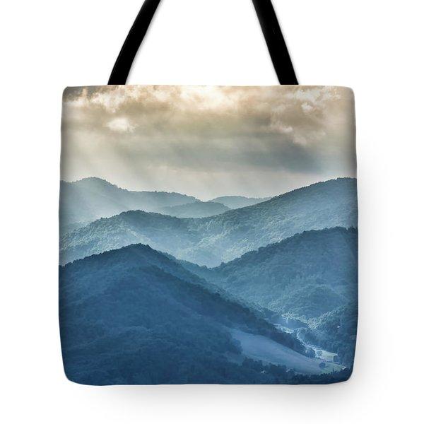 Blue Ridge Sunset Rays Tote Bag