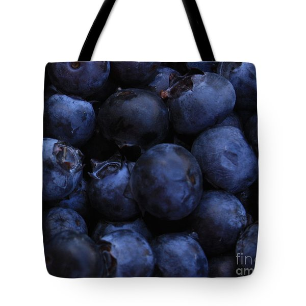 Blueberries Close-up - Horizontal Tote Bag