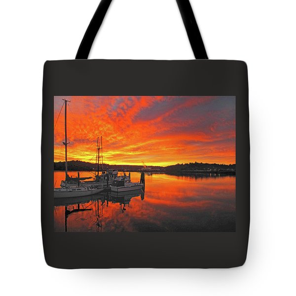 Boardwalk Brilliance With Fish Ring Tote Bag