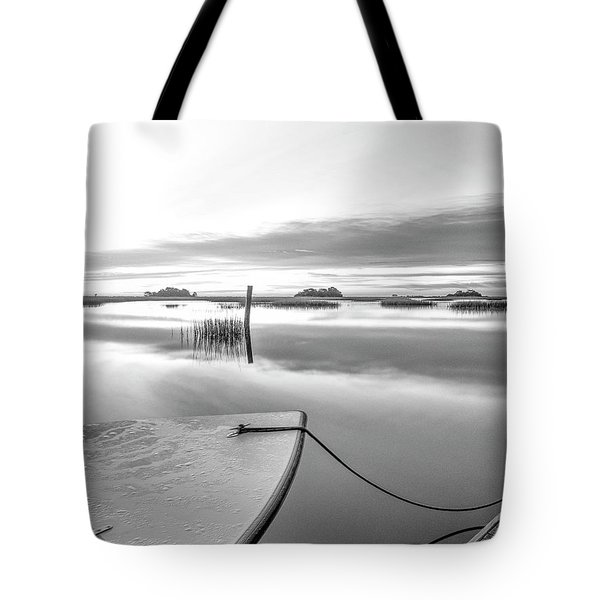 Boat Art Photo - A Winters' Day Tote Bag