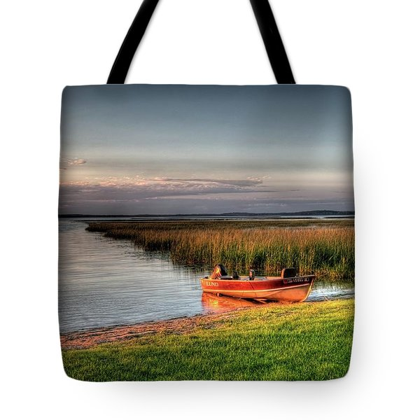 Boat On A Minnesota Lake Tote Bag